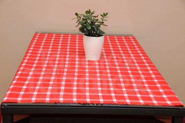 Ubrus 50x100 - kostka červená - Ubrusy a prostírání klasik 50x100
