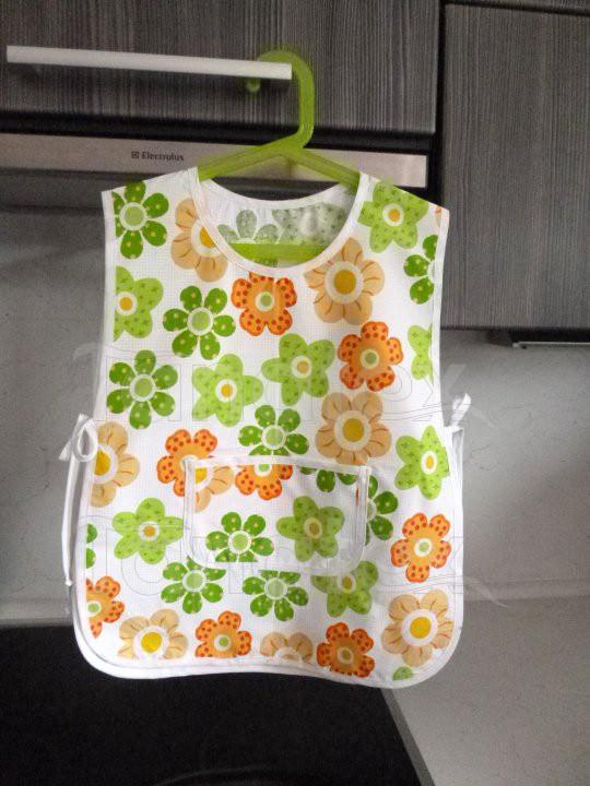 Dětská Zástěrka mušketýrka - kytičky zelené - Pro děti a miminka Zástěrky